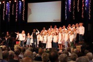 Koret divisi synger gospel på norsk